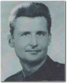 ppor. Henryk Karwasz - absolwent Oficerskiej Szkoły Radiotechnicznej OPL Obszaru Kraju - rocznik 1955